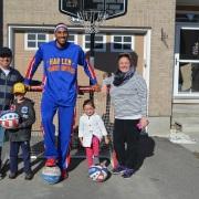Harlem Globetrotters Family