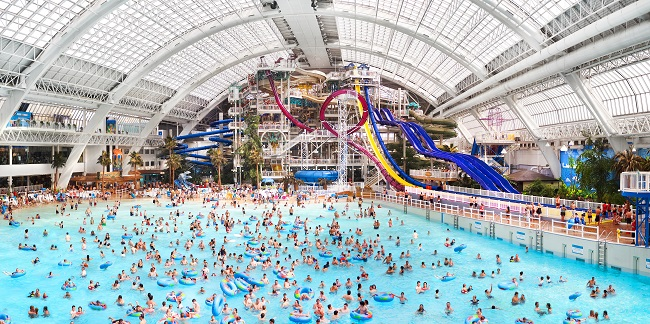 Edmonton Water Park, Edmonton, AB - Courtesy of Edmonton Mall